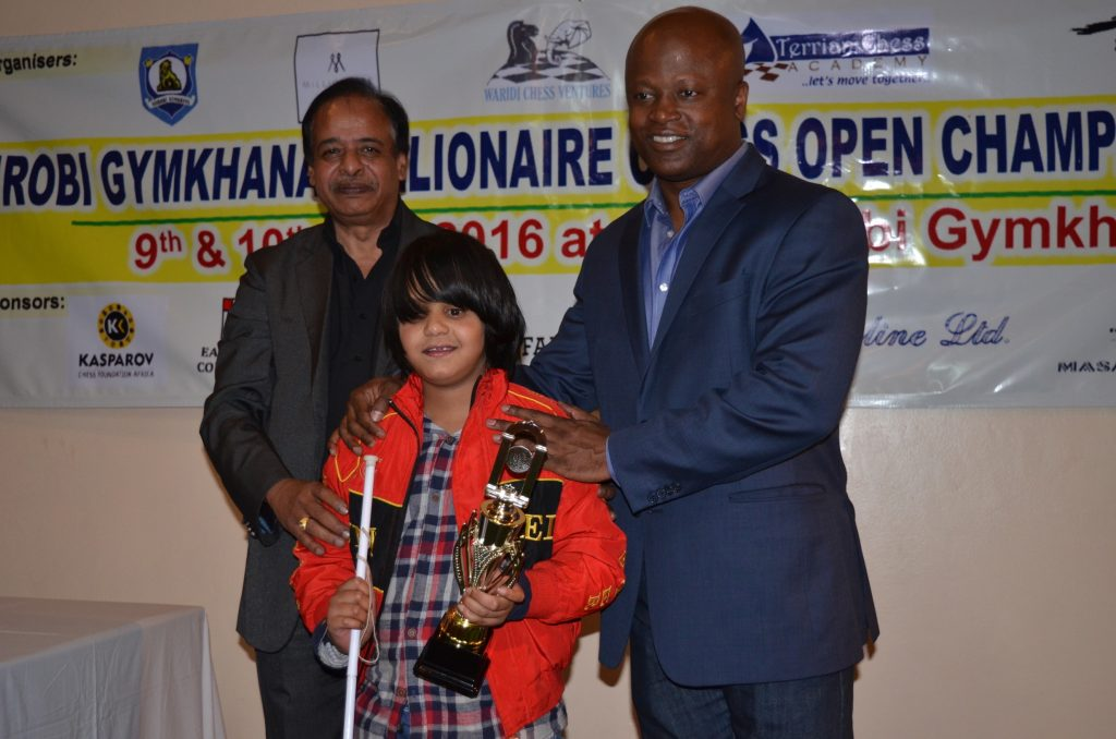 Special prize for Aditya Shah from Mr Arun Jain and GM Maurice Ashley.