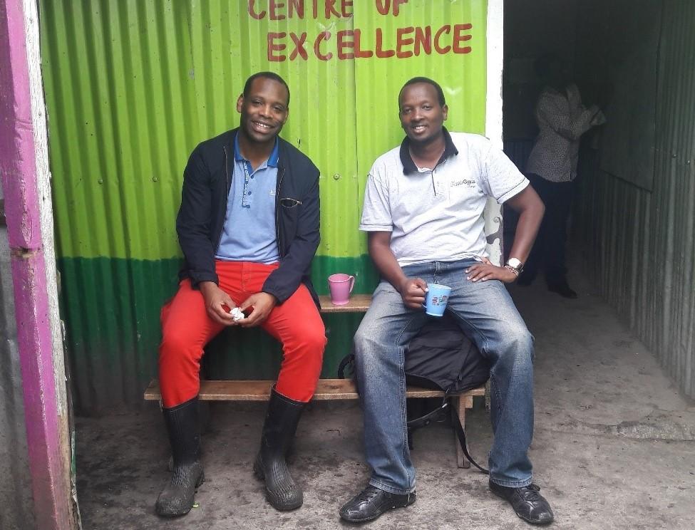 GM Pontus Carlsson chilling with Githinji Hinga of Mini Chess Kenya at Mukuru Feeding Centre, Nairobi..  Photo credit Githinji HInga.