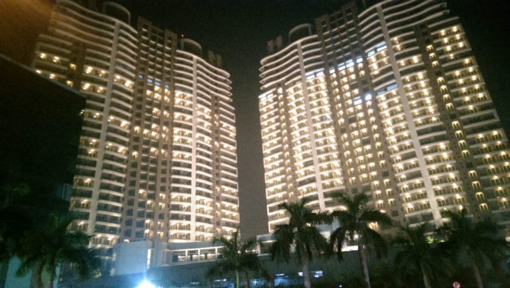 Mumbai's apartments. Photo credit Satish Deshpande.