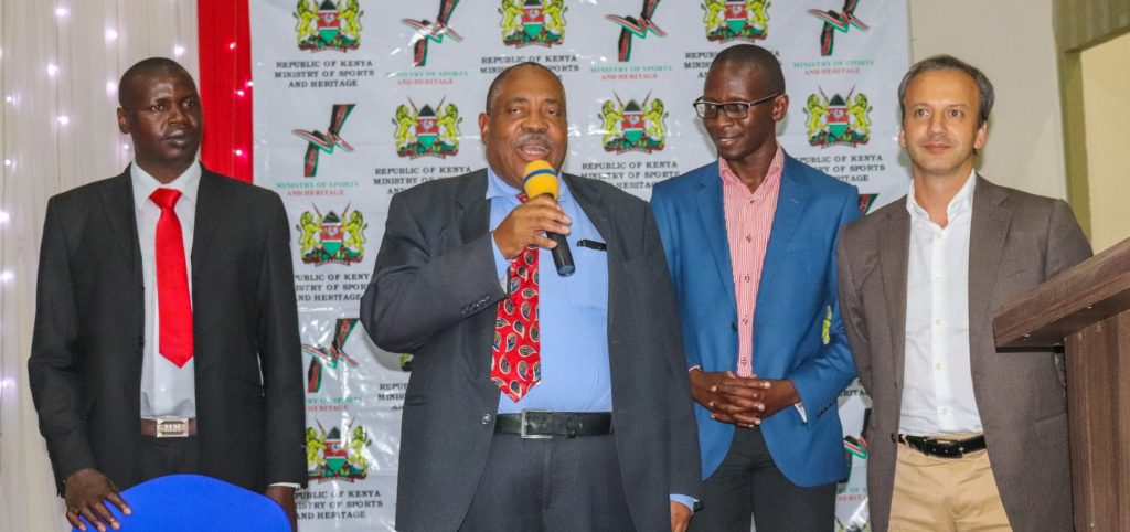 Presentation at the AYCC 2018. Standing from left Benard Wanjala Chess Kenya President, Lewis Ncube African Chess Confederation President, Koome Kazungu & Arkady Dvorkovich. Photo credit Eastmond Mwendia.