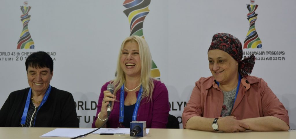 3 World Champions! Nona Gaprindashvili, Susan Polgar,& Maia Chiburdanidze during the press conference. Interview done during round 3.