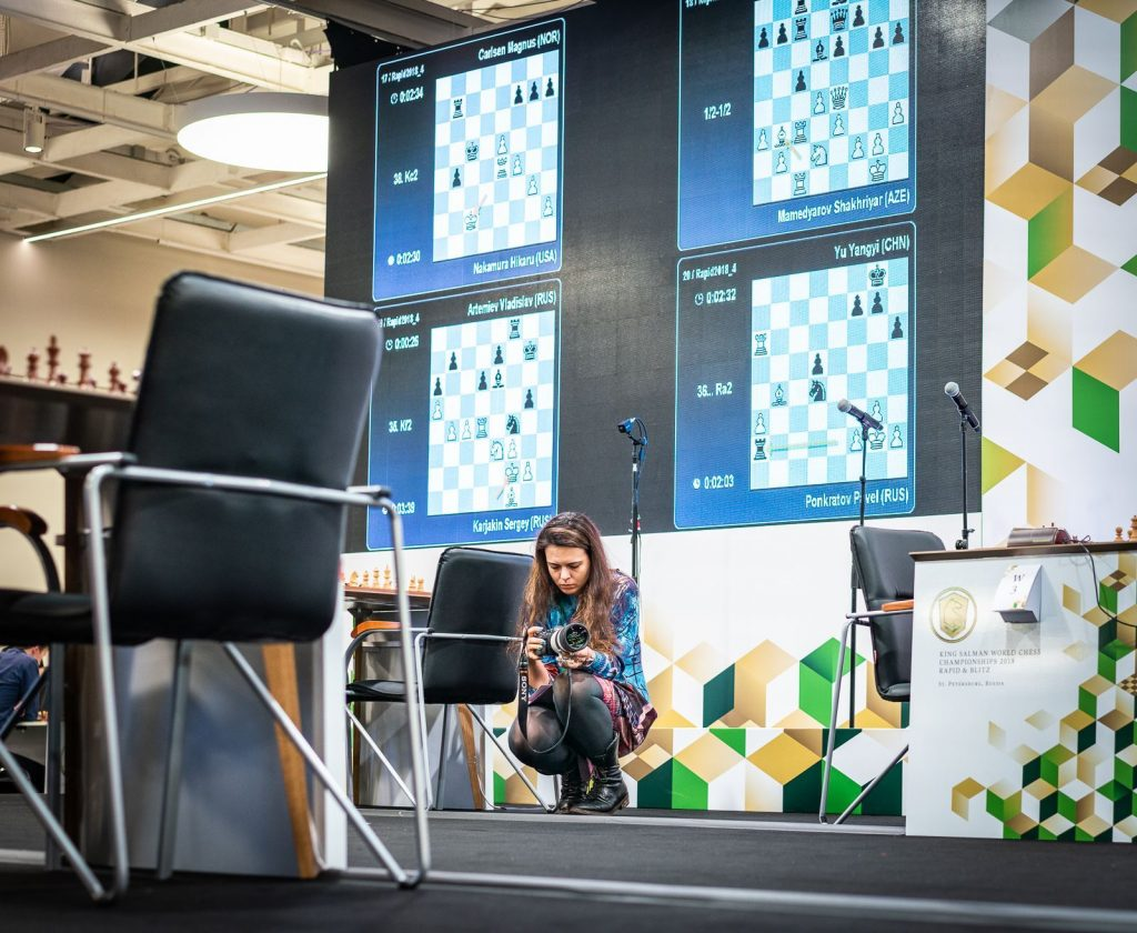 Maria Emelianova of www.chess.com in action. Photo credit Lennart Ootes.