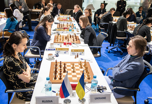 The hot match of the day Russia versus Ukraine. Kateryna Lagno in action against former World Champion Mariya Muzychuk. Photo credit David Llada.