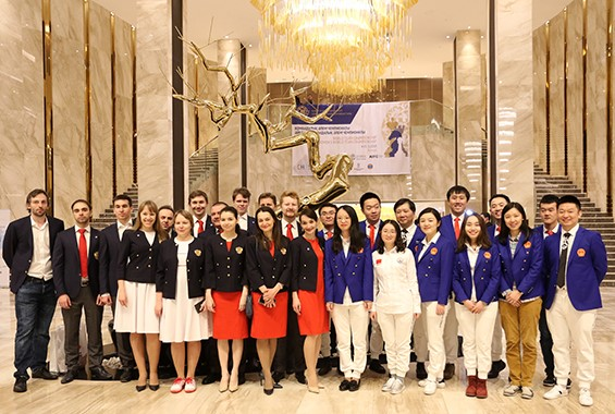 Team Russia (Ladies & Open) and Team China (Ladies & Open) pose for a group photo. Photo credit Eteri Kublashvili.