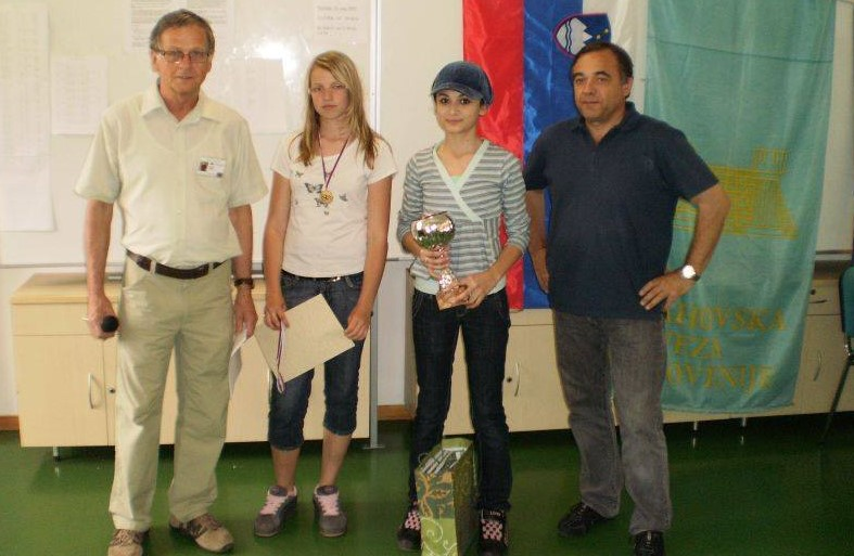Bojana Bejatovic (2nd from right) in Maribor, Slovenia , 1st place with 100% result (9 points out of 9 games in 2009.