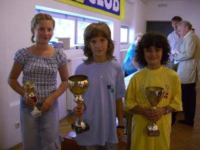Bojana Bojatevic (extreme right) in Mureck Austria second place under 12 girls section.