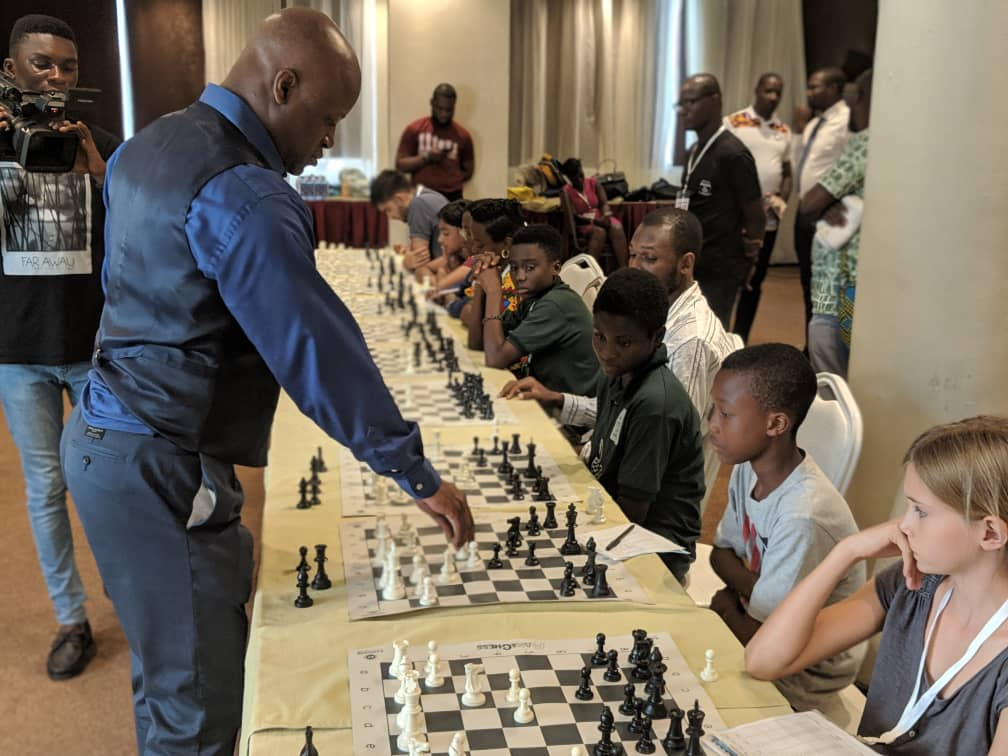 GM Maurice Ashley conducts a Simultaneous for 30 players. Photo credit Ghana Chess Association.