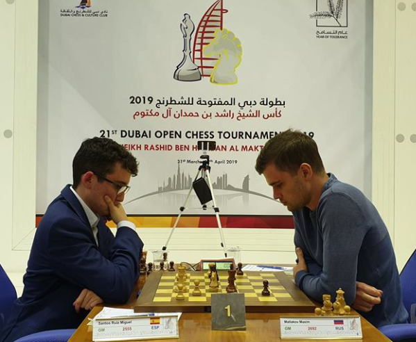 Santos Ruiz Miguel of Spain (left) in action against winner GM Maxim Matlakov of Russia. Photo credit http://www.dubaichess.ae/.