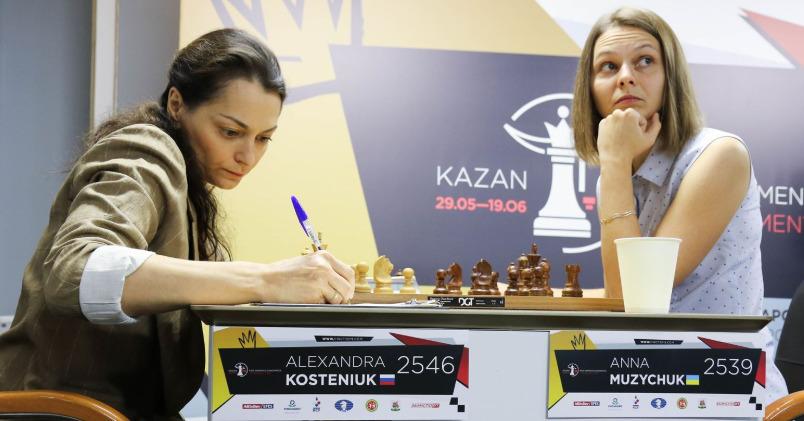 Alexandra Kosteniuk of Russia versus Anna Muzychuk of Ukraine. Photo credit https://fwct2019.com.