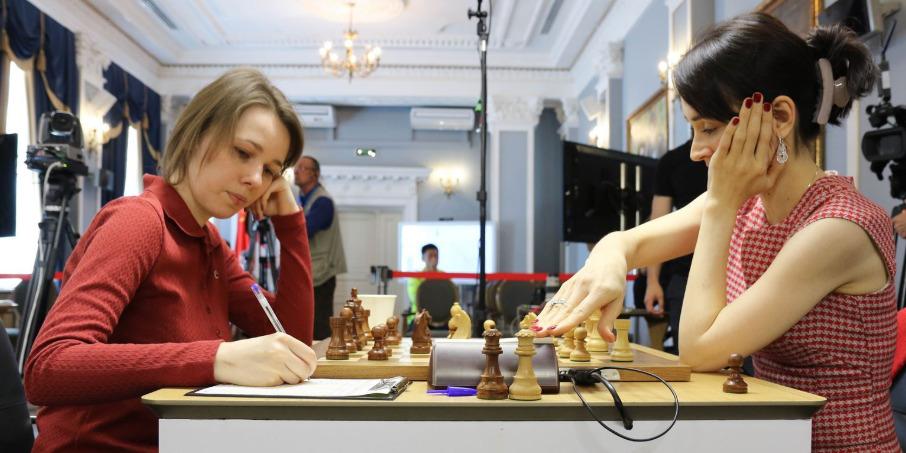 Mariya Muzychuk versus Kateryna Lagno.  Photo credit Anastasiya Karlovych and Eteri Kublashvili.