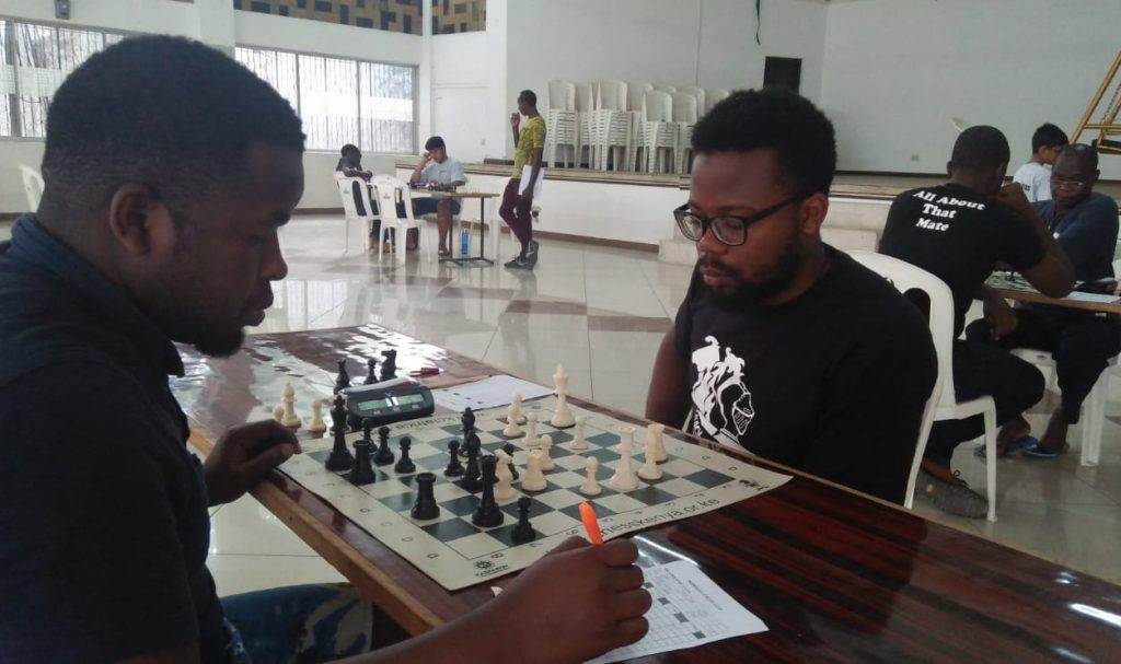 Hillary Sagwe (left) takes on Trevor Mulindi during the event.