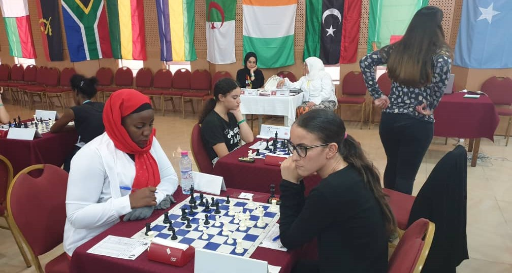 WCM Shakira Ampaire of Uganda (left) takes on WFM Amira Marzouk of Algeria.
