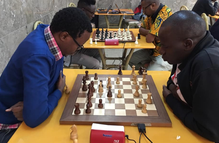 Joseph Atwoli (left) in action against FM Steve Ouma.