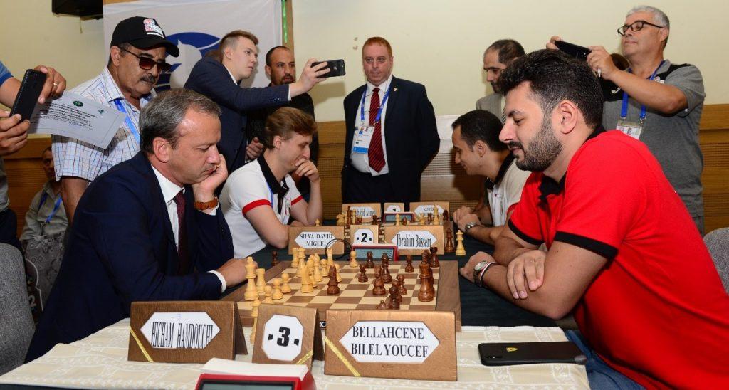 FIDE President Arkady Dvorkovich plays a few blitz games against GM Adly Ahmed. Photo credit Mohamed Bounaji .