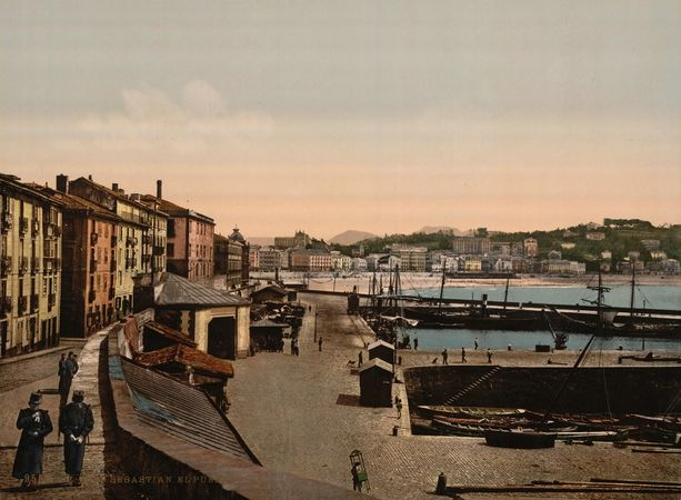 Port of San Sebastián in 1890. Photo credit www.kiddle.co