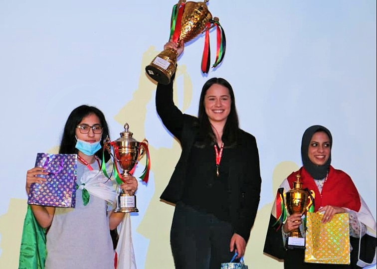 WIM Jesse February the winner of the 2021 African Individual Chess Championship. On her left is Runner's Up WIM Lina Nassr of Algeria and on her right is third placed WIM Ayah Moaatz of Egypt.