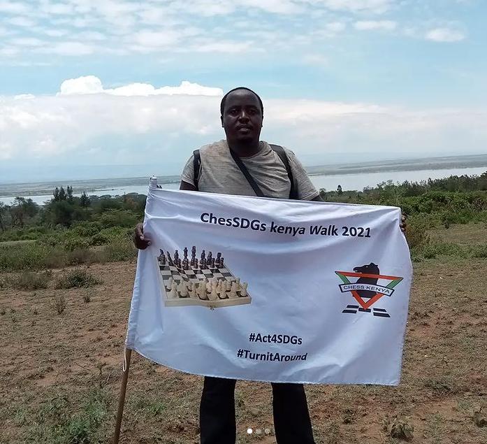 Fred Sagwe on his walk to Nakuru.